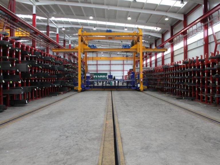 Sistema de almacenamiento de perfiles largos para acero